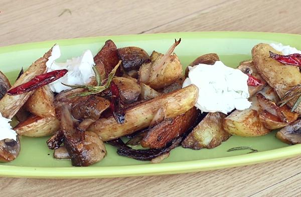Картошка по-деревенски с шампиньонами