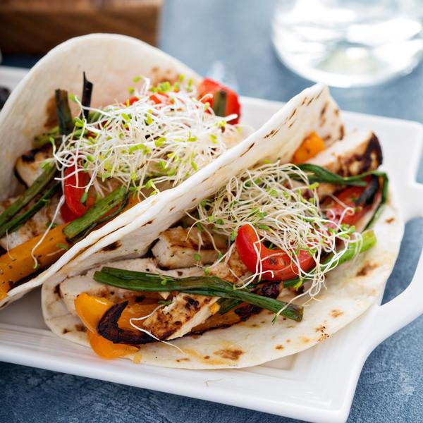 Рецепт «Тако с овощами и тофу на гриле»