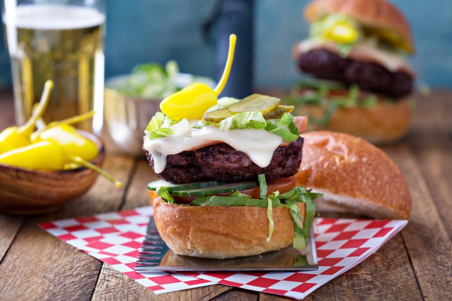 Рецепт «Классический бургер из говядины» на гриле