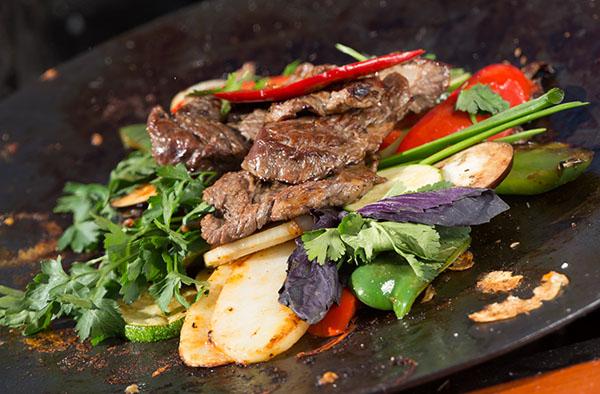 Садж из говядины и овощей