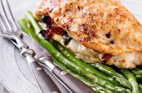 Рецепт «Куриная грудка с начинкой из помидоров и моцареллы»